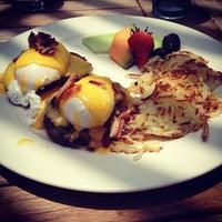 Foto scattata a HOPE 46 Classic American Cuisine da Andre L. il 6/16/2012