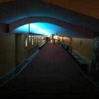 Foto tirada no(a) Cine Roxy por Ricardo P. em 3/6/2012