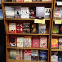 Das Foto wurde bei Unabridged Books von Eric Z. am 4/25/2012 aufgenommen