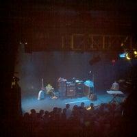8/25/2011 tarihinde Eyan S.ziyaretçi tarafından Theatre of the Living Arts'de çekilen fotoğraf