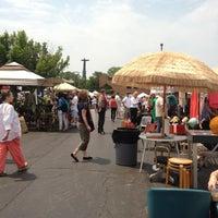 รูปภาพถ่ายที่ Randolph Street Market โดย Sarah H. เมื่อ 5/26/2012
