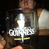 Foto tirada no(a) The Irish Pub por Justin R. em 8/27/2011
