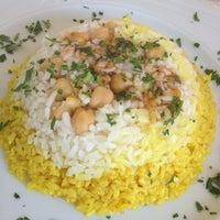 Photo prise au Matbah Restaurant par Arzu Turçalı le8/26/2012