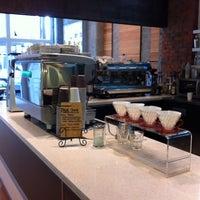 6/10/2012 tarihinde Thomas W.ziyaretçi tarafından Milano Coffee'de çekilen fotoğraf