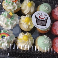 Снимок сделан в Cupprimo Cupcakery & Coffee Spot пользователем David C. 3/16/2012