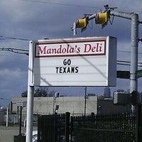 Foto tirada no(a) Mandola's Deli por Jay N. em 1/16/2012
