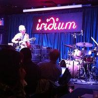 Das Foto wurde bei The Iridium von Rebecca R. am 9/11/2011 aufgenommen