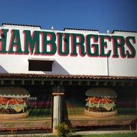 3/25/2012にJose MariaがRuben's Hamburgersで撮った写真