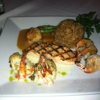 Foto scattata a The Oceanaire Seafood Room da Julliana J. il 8/18/2012