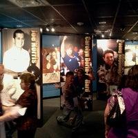 Foto tirada no(a) International Bowling Museum & Hall Of Fame por J. Damany D. em 5/30/2012