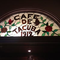 Foto diambil di Café de Tacuba oleh RaKeL N. pada 4/18/2012