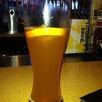 Foto tomada en Buffalo Wild Wings por Markeith R. el 4/22/2012