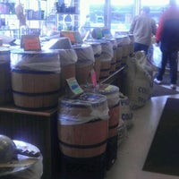 Das Foto wurde bei The Coffee & Tea Exchange von Michael L. am 4/28/2012 aufgenommen