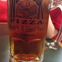 Снимок сделан в Woodstock's Pizza пользователем Ken N. 4/21/2012
