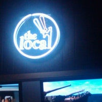 Foto tirada no(a) The Local Eatery and Drinking Hole por Dante M. em 4/28/2012