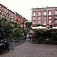 Photo prise au Piazza Vincenzo Bellini par Rik M. le6/4/2012