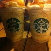 Foto scattata a Starbucks da Erdal A. il 8/10/2012