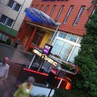 รูปภาพถ่ายที่ Hotel Duo โดย eduardo c. เมื่อ 7/9/2012