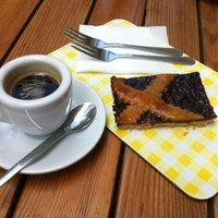 Das Foto wurde bei SoLuna Brot und Öl von Art N. am 6/19/2012 aufgenommen