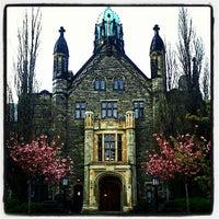 Foto tomada en Universidad de Toronto por Felipe V. el 4/24/2012