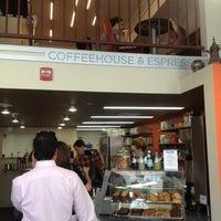 Das Foto wurde bei Filter Coffeehouse & Espresso Bar von Carlos S. am 6/19/2012 aufgenommen