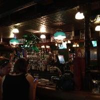 Photo prise au Pippin's Tavern par Lanora M. le3/22/2012
