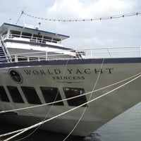 7/15/2012에 Scott님이 World Yacht에서 찍은 사진