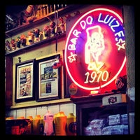 Foto tirada no(a) Bar do Luiz Fernandes por Beto S. em 4/17/2012