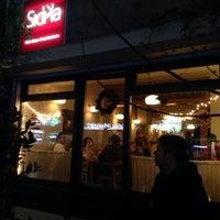 Foto tomada en Sıdıka Meze Restoranı por Ian E. el 12/13/2013
