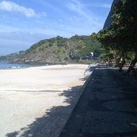 Foto tirada no(a) Praia do Pepino por Alexandre T. em 5/16/2013