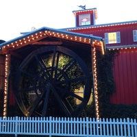 Photo prise au Bob's Red Mill Whole Grain Store par Mike F. le12/28/2012