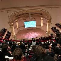 Foto scattata a Stern Auditorium / Perelman Stage at Carnegie Hall da Long C. il 10/18/2018