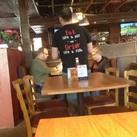 Photo prise au Iron Grill Barbecue and Brew par Todd K. le2/17/2013