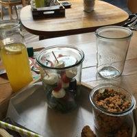 7/17/2015 tarihinde Memduh B.ziyaretçi tarafından Plus Kitchen'de çekilen fotoğraf