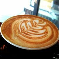 1/12/2013 tarihinde Brad G.ziyaretçi tarafından Analog Coffee'de çekilen fotoğraf