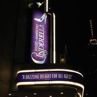 Foto tirada no(a) Cinderella on Broadway por Yasu Y. em 6/9/2013