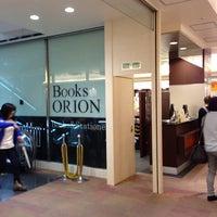 Das Foto wurde bei Books Orion von yskw t. am 6/11/2014 aufgenommen