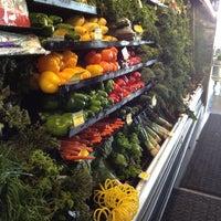 Photo prise au Mariano's Fresh Market par Nancy V. le11/17/2012