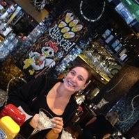 Foto tirada no(a) Bar Louie por Patrick L. em 10/29/2013
