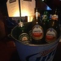Photo prise au Norman's Tavern par Xtine D. le2/21/2013
