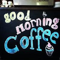 Foto scattata a Good Morning Coffee da Brad M. il 5/2/2013