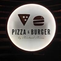 Foto tomada en Pizza and Burger por Esteicy el 11/23/2016