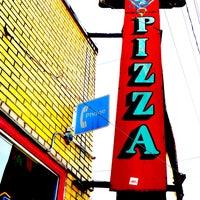 Foto tomada en Grant Central Pizza por Intown Expert, Jennifer Kjellgren & Associates el 1/29/2013