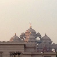 Foto tomada en Swaminarayan Akshardham por Luke D. el 2/13/2013