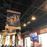 2/24/2019 tarihinde Mark L.ziyaretçi tarafından Burger U'de çekilen fotoğraf