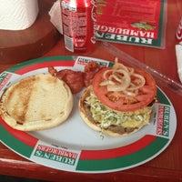 Foto tomada en Ruben's Hamburgers por Enrike G. el 3/27/2013