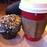 Foto scattata a Starbucks da Dirim S. il 1/6/2013