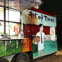 Foto tirada no(a) Art of Tacos por Mike H. em 7/25/2013