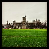 Foto tomada en Universidad de Toronto por Felipe V. el 4/30/2013