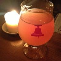 Foto tirada no(a) Bellwoods Brewery por Robyn D. em 3/22/2013
